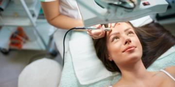 Mesoterapia facial, el tratamiento de Beauty and Care para revitalizar la piel